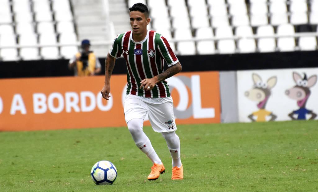 Dodi, meia do Fluminense.