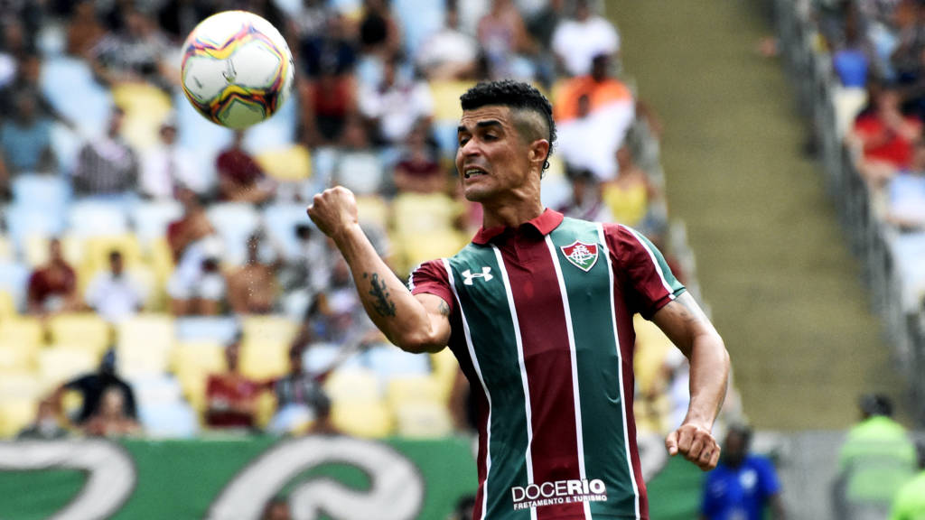 Egídio, lateral do Fluminense.