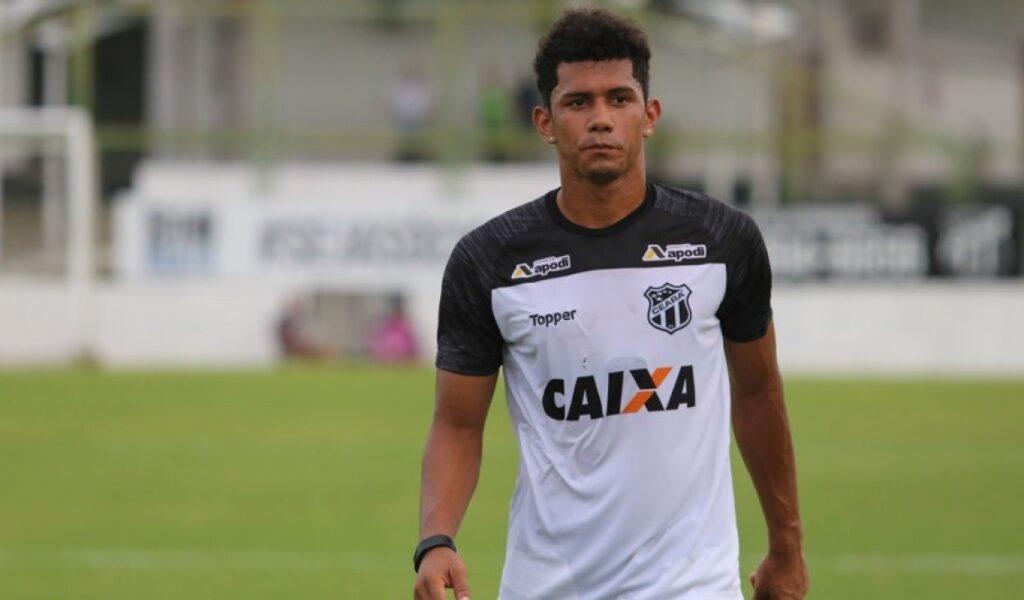 Fernando Sobral, meia do Ceará.