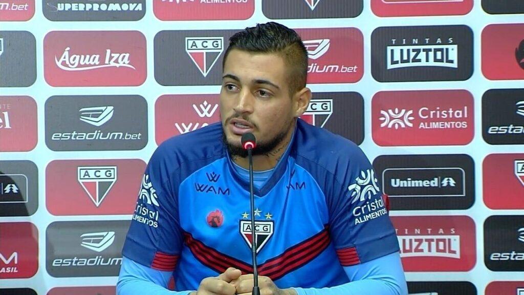 Jean, goleiro do Atlético-GO.