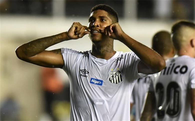 Raniel, atacante do Santos.