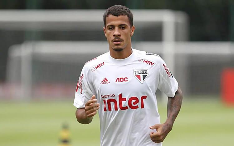 Diego, zagueiro do São Paulo.
