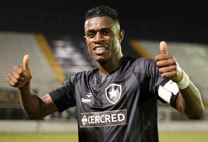 Marcelo Benevenuto, zagueiro do Botafogo.