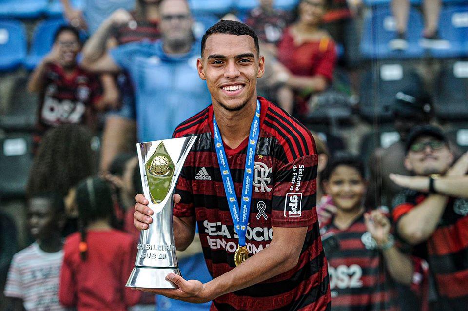 Matheuzinho, lateral do Flamengo.