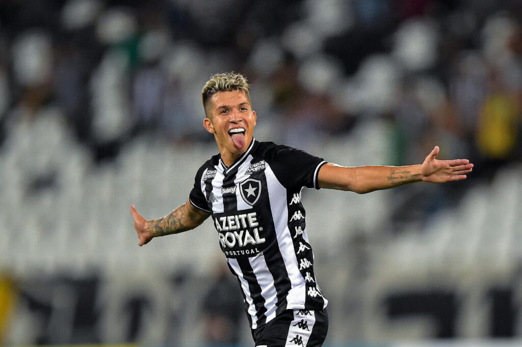 Bruno Nazário, meia do Botafogo.