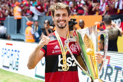 Rodrigo Caio, zagueiro do Flamengo.