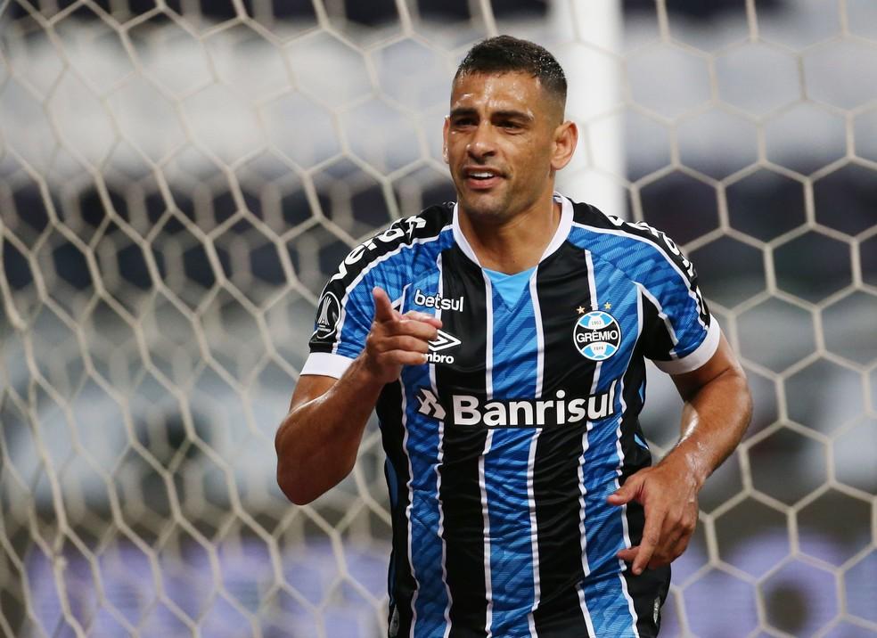 Diego Souza, atacante do Grêmio.
