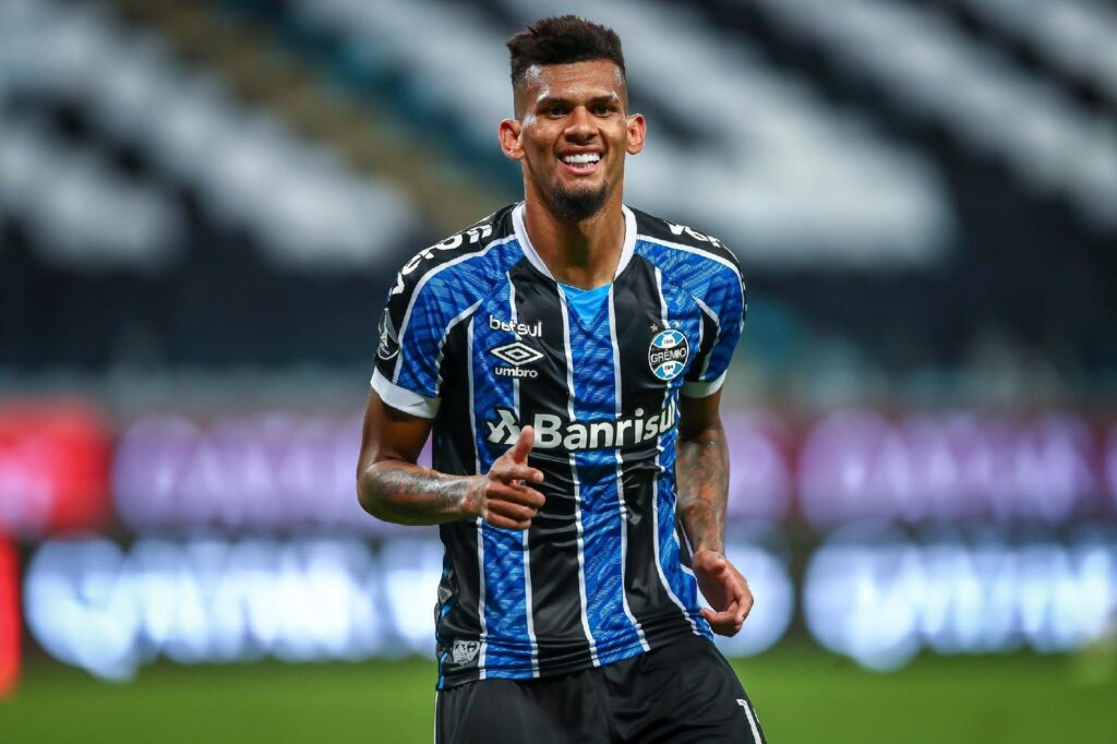 Rodrigues, zagueiro do Grêmio.